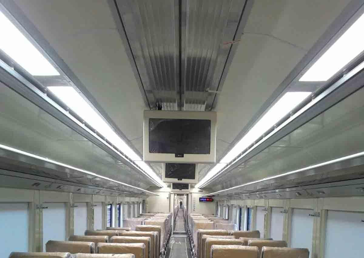 Interior KA Senja Utama Solo