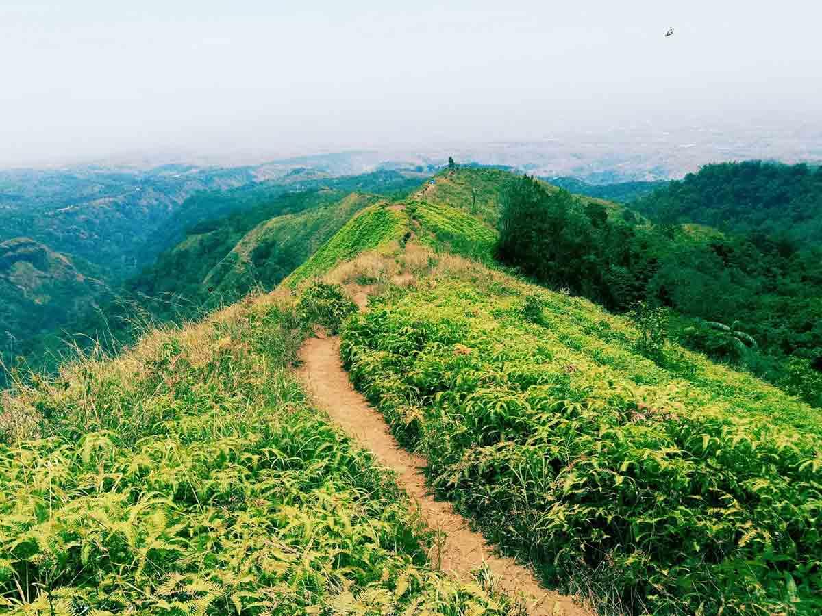 Puncak Bukit Watu Jengger