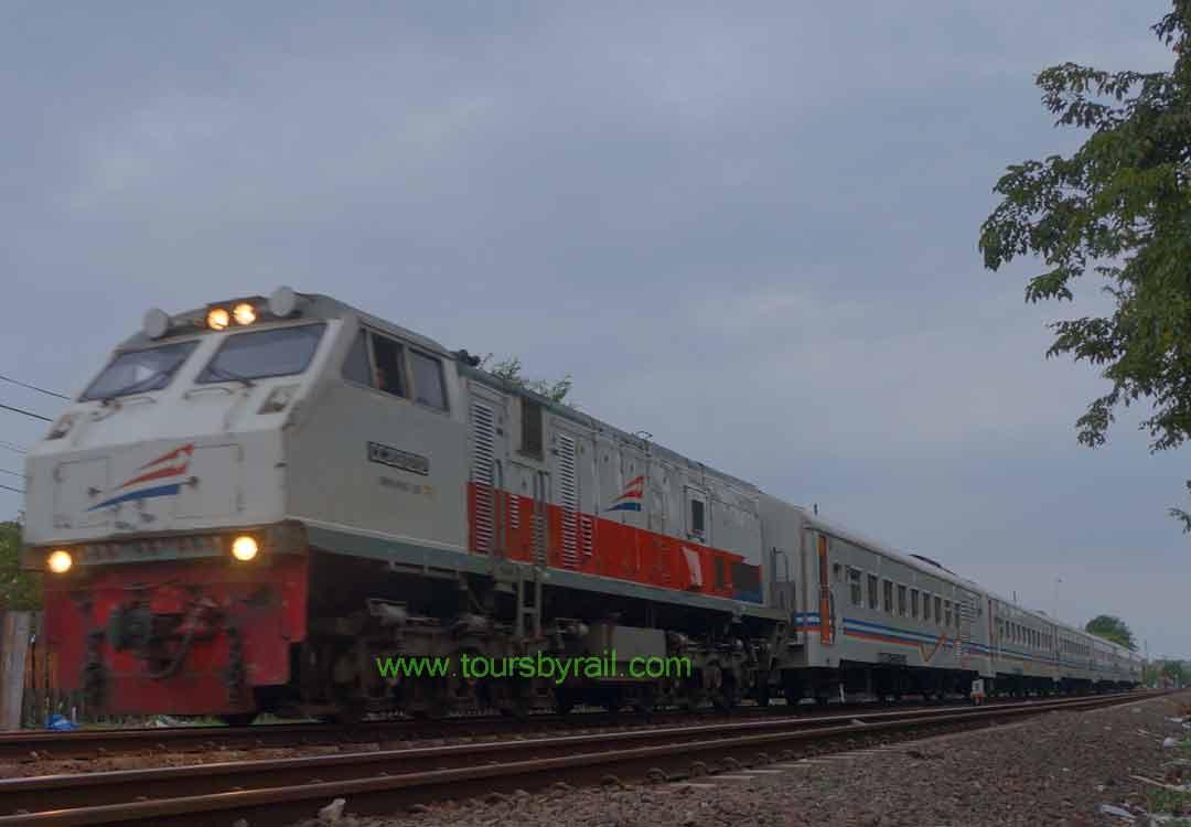 Info Jadwal Kereta Api Ekonomi Terbaru