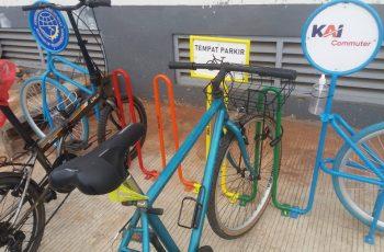Parkir Sepeda Di Stasiun KRL Jabodetabek